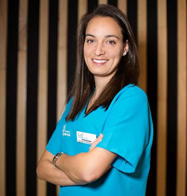 Dra. Tania Santana Ojeda - Odontopediatría