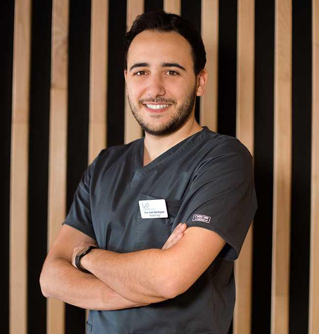 Dr. Francisco Domínguez Moreno - Cirugía oral e implantología
