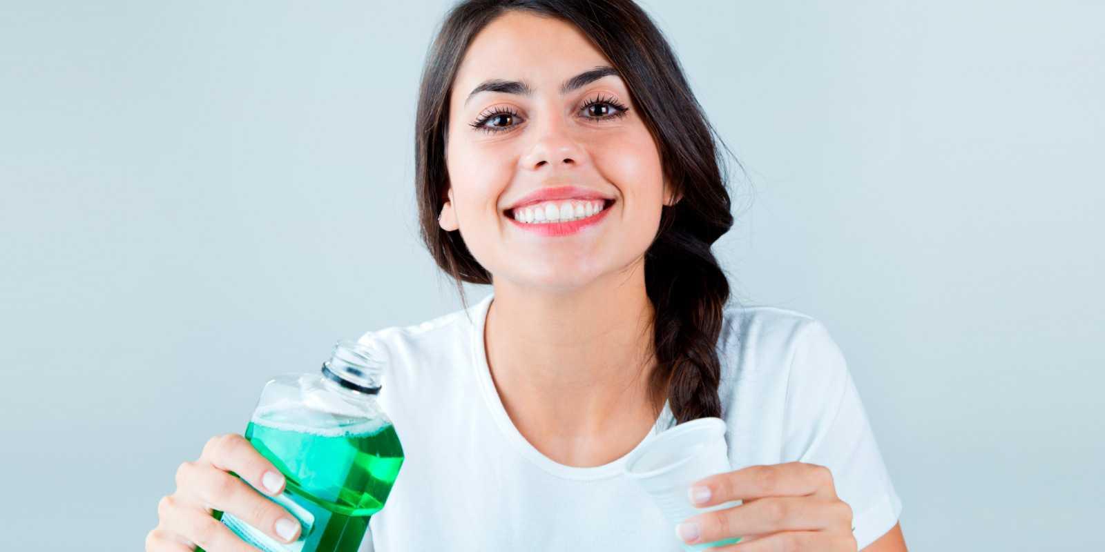 Colutorio dental: tipos de enjuague bucal