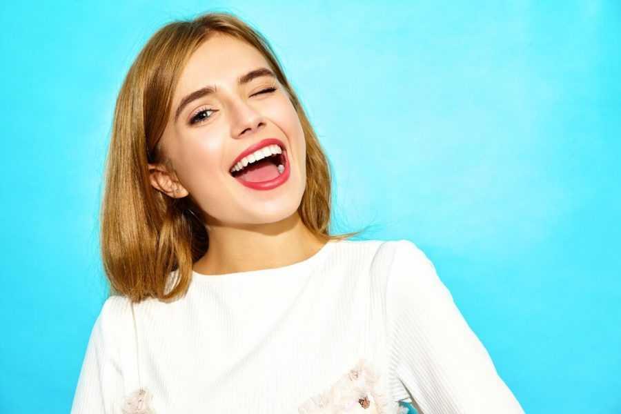 Manchas blancas en los dientes: causas